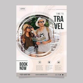 Podróżujący szablon plakatu ze zdjęciem