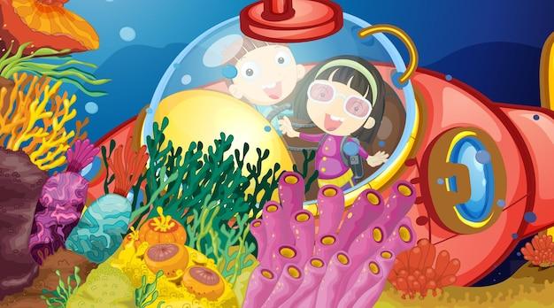 Podwodna scena ze szczęśliwymi dziećmi w łodzi podwodnej eksplorującej podmorskie
