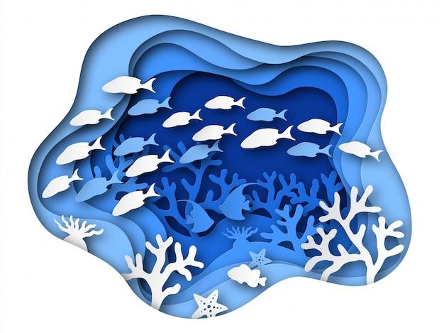 Podwodny morski papier cięty. rafy na dnie oceanu ze zwierzętami morskimi, koralowcami i rybami, wodorostami. niebieskie origami z dna morskiego