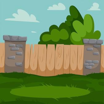 Podwórko z drewnianym ogrodzeniem, ceglanymi filarami i zieloną trawą.