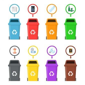 Pojemniki na śmieci z posortowanymi śmieciami