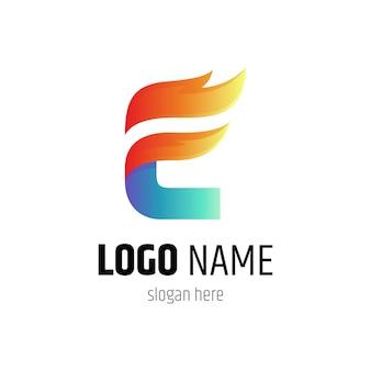 Połączenie logo litery e z kształtem ognia