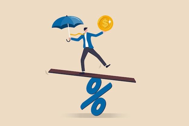 Polityka pieniężna banku centralnego dla inflacji lub stopy procentowej, równowagi między zyskiem a stratą, wyzwaniem finansowym lub ryzykiem, koncepcja odzyskiwania ekonomicznego, lider biznesmena bilansuje się na znak procentowy.