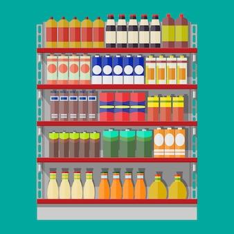 Półki supermarketów z artykułami spożywczymi.