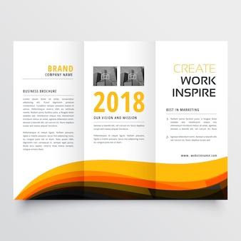 Pomara? czowy i czarny faliste trifold biznesu broszura ulotki koncepcji szablonu