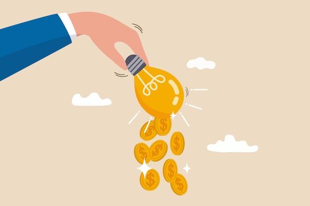 Pomysł na zarabianie pieniędzy, innowacje finansowe lub pomysły biznesowe lub inwestycyjne, zarabianie lub czerpanie zysków z koncepcji kreatywności, monety dolara spadające z ręki biznesmena potrząsającego lampą lub pomysłem na żarówkę
