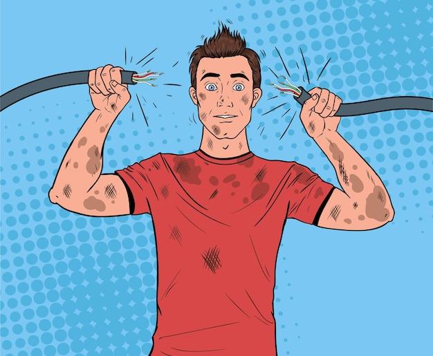 Pop-artu, człowiek trzyma uszkodzony kabel elektryczny po wypadku domowym. zabawny brudny elektryk.