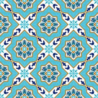 Portugalski azulejo. białe i niebieskie wzory.