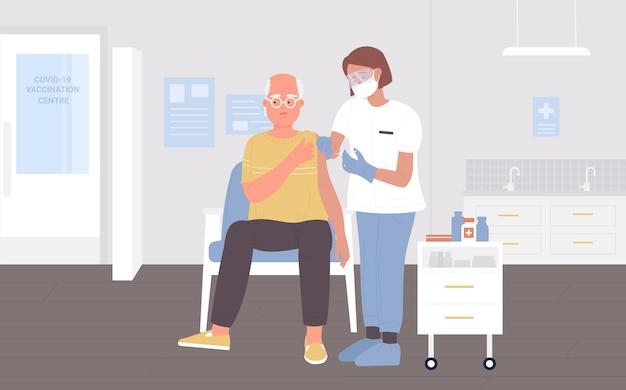 Postać lekarza zajmującego się leczeniem chorób szczepienia wykonującego zastrzyk szczepionki starszemu starszemu pacjentowi