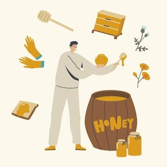 Postać pszczelarza wrzuca miód do szklanych słoików z drewnianej beczki.