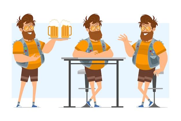 """Postać z kreskówki płaski śmieszne brodaty gruby hipster człowiek w dżinsach kurtce i okulary przeciwsłoneczne. gotowy do animacji. chłopiec trzyma piwo na tacy i mówi """"cześć"""". na białym tle na niebieskim tle."""