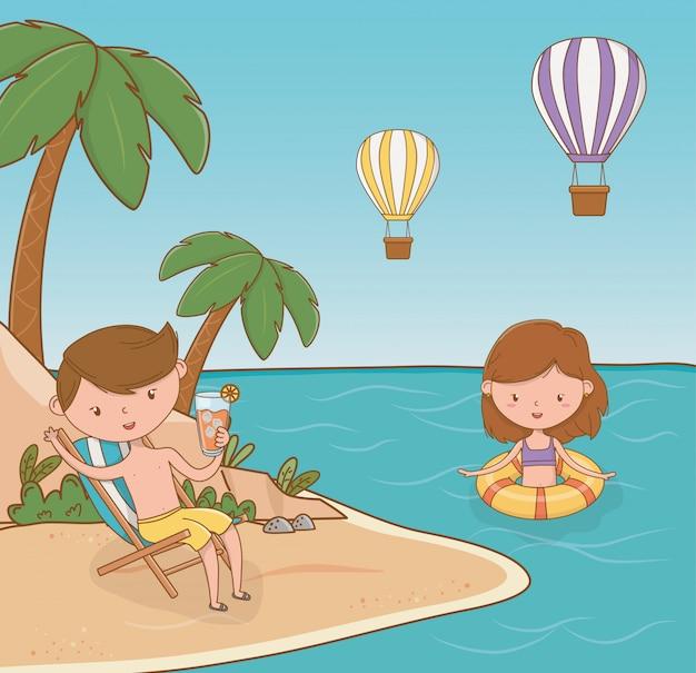 Potomstwo para na plażowej scenie