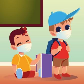 Powrót do szkoły chłopców z torbą na maski medyczne i notatnikiem, tematem edukacji i dystansu społecznego