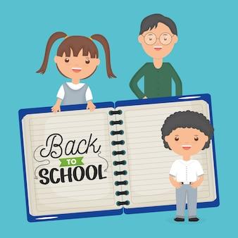 Powrót do szkoły. młody męski nauczyciel z małymi uczniami i notatnikiem