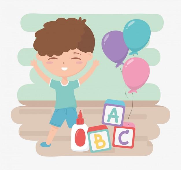 Powrót do szkoły, uczeń chłopiec klej blokuje alfabet i balony kreskówka edukacja