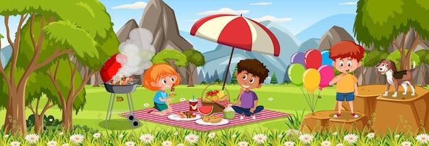 Pozioma scena na świeżym powietrzu z wieloma piknikami dla dzieci w parku