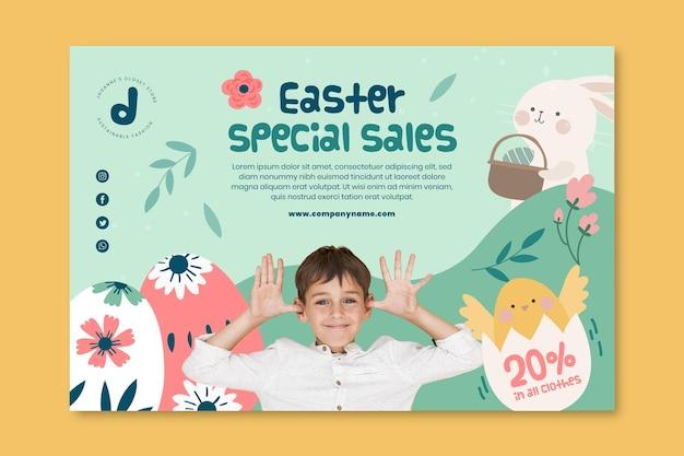 Poziomy baner szablon na sprzedaż wielkanocną z zabawnym chłopcem