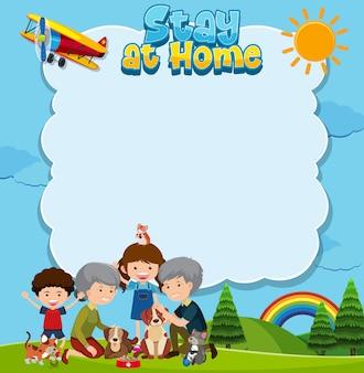 Pozostań w domu tekst w ramce i szczęśliwa rodzina w parku