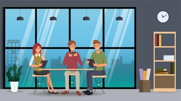 Praca zespołowa ludzi biznesu współpracujących. biznesowy charakter w biurze.