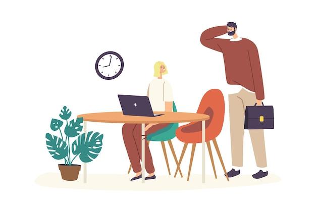 Pracownik biurowy człowiek spóźniony w pracy. niepunktualny kierownik męskiej postaci nosić niechlujne ubrania drapanie głowy w pobliżu kolega biznesowy siedzący przy biurku z laptopem. ilustracja wektorowa kreskówka ludzie