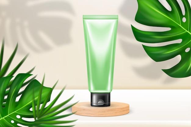 Produkt kosmetyczny na drewnianym podium z liśćmi palmowymi i cieniami