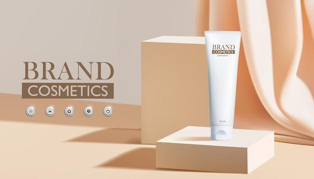 Produkt kosmetyczny na kwadratowym podium w kolorze kremowym luksusowego projektu marki.