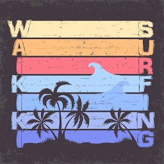 Projekt graficzny t-shirt surfing hawaii. znaczek druku sportowego surfingu. surferzy waikiki noszą emblematy typograficzne. kreatywny design.