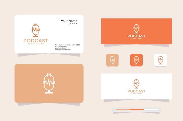 Projekt ikony mikrofonu transmisji podcastów w studio, logo i projekt wizytówki