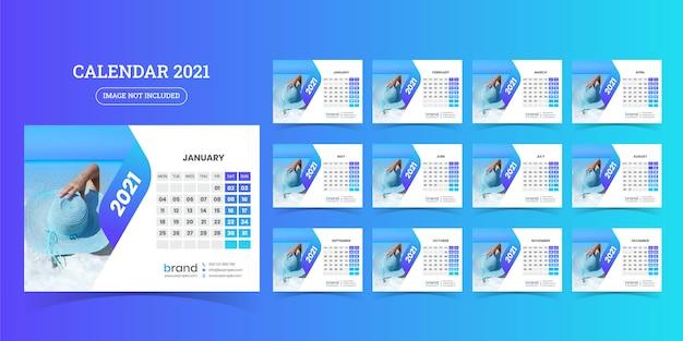 Projekt kalendarza na biurko 2021 szablon zestaw 12 miesięcy, tydzień rozpoczyna się w poniedziałek,