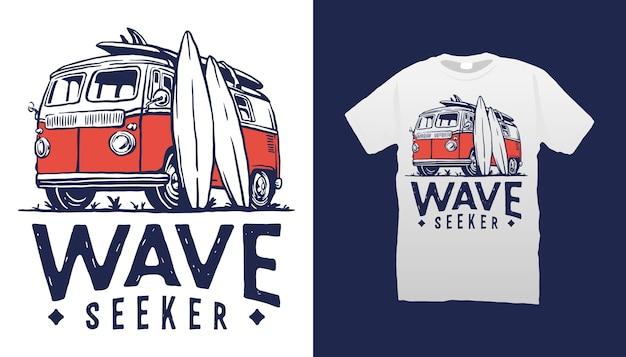 Projekt koszulki ilustracji surfingu van