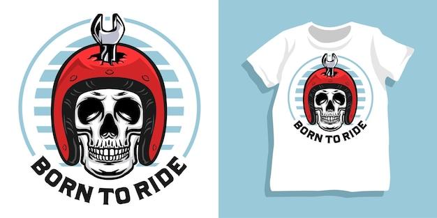 Projekt koszulki kask motocyklisty z czaszką