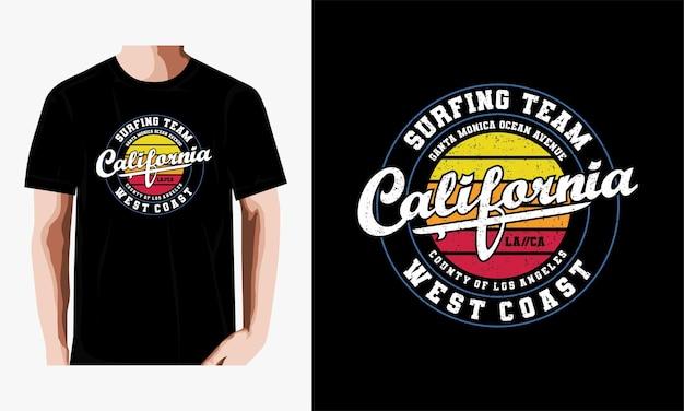 Projekt koszulki typografii zespołu surfingowego w kalifornii