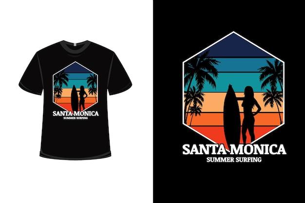 Projekt koszulki z letnim surfingiem santa monica w kolorze niebieskim, zielonym i pomarańczowym