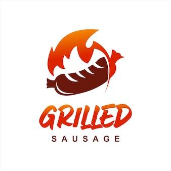 Projekt logo czerwonego grilla z grillowaną kiełbasą
