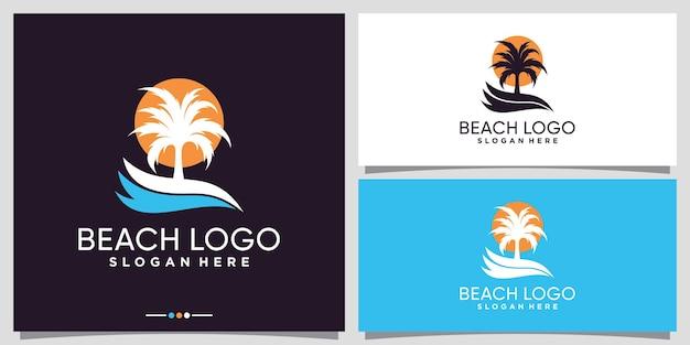 Projekt logo plaży z palmą i logo słońca premium wektorów
