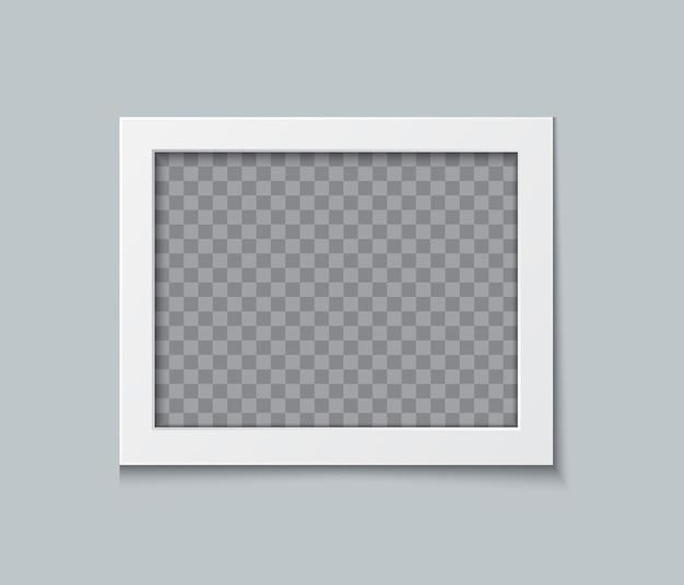 Projekt makiety ramki na zdjęcia. białe obramowanie papieru na białym tle