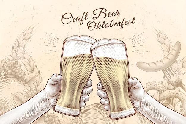 Projekt obchodów oktoberfest w grawerowanym stylu, trzymając się za ręce szklanki piwa i wiwatując na tle wypełnionym składnikami
