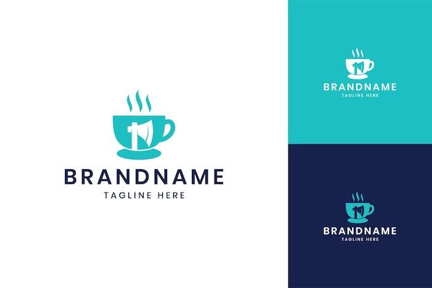 Projektowanie logo negatywnej przestrzeni siekiery kawy