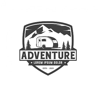 Projektowanie logo odznaki obozowiczów przygody