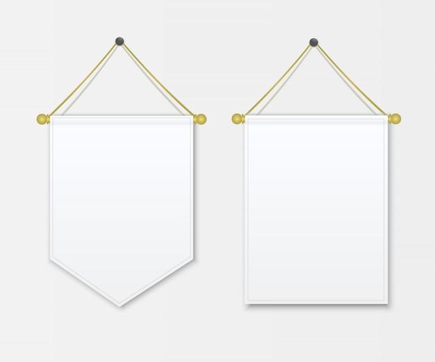 Proporczyk biały pusty obwieszenie na ścianie.