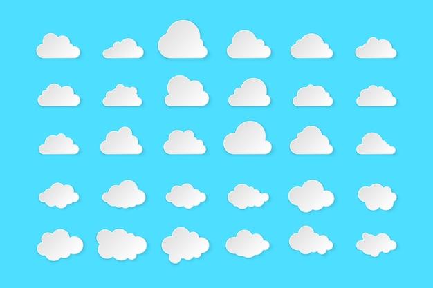 Proste chmury na białym tle na niebieskim tle.