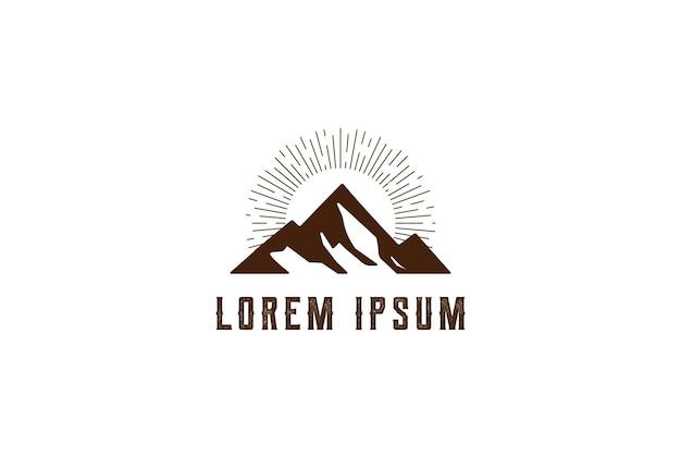 Prosty minimalistyczny lód, śnieg, góra lub góra lodowa, logo design vector