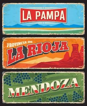Prowincje la pampa, la rioja i mendoza oraz regiony argentyny wektor zabytkowe płyty. kanion talampaya, krajobraz nizinny pampas i winogrona stare banery blaszane, projekt podróży w argentynie