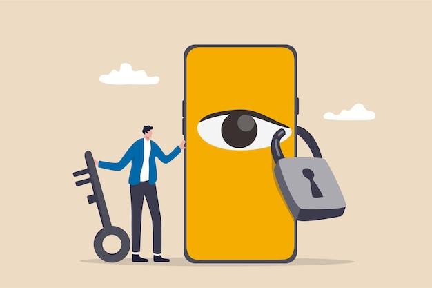 Prywatność danych dla użytkownika internetu, ochrona aplikacji w celu śledzenia lub śledzenia koncepcji zachowania użytkownika, mężczyzna trzymający klucz po zablokowaniu oka szpiega na smartfonie, aby przestać oglądać prywatne informacje.
