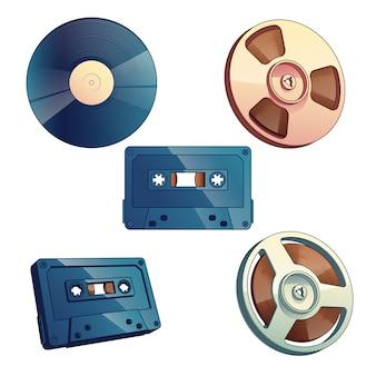 Przechowywanie mediów retro dla muzyki i zestaw dźwięków na białym tle.
