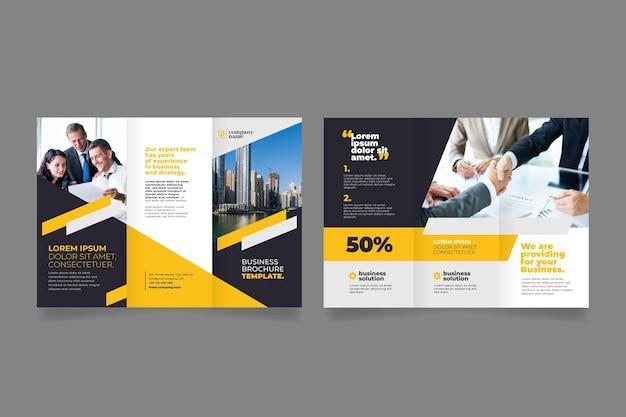 Przednia i tylna broszura dla trzech współpracowników