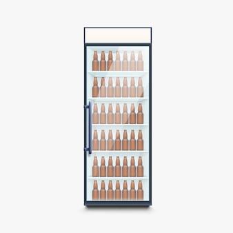 Przednia lodówka z butelkami piwa na białym tle