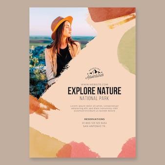 Przeglądaj szablon ulotki pionowej turystyki pieszej natury