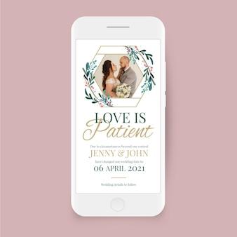 Przełożony ślub na ekranie smartfona