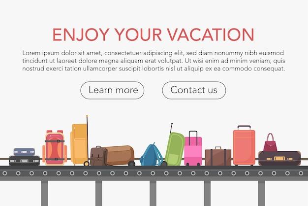 Przenośnik taśmowy w hali bagażowej lotniska. odbiór bagażu